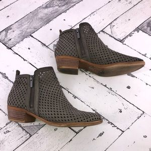 Lucky Brand Size 8 Gray & Brown Booties